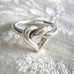 Hjärtring - silversmycke i äkta silver - handgjorda silversmycken från Brokig silversmycken