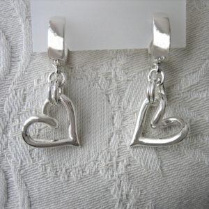 Hängande silverhjärtan - silversmycke i äkta silver - handgjorda silversmycken från Brokig silversmycken