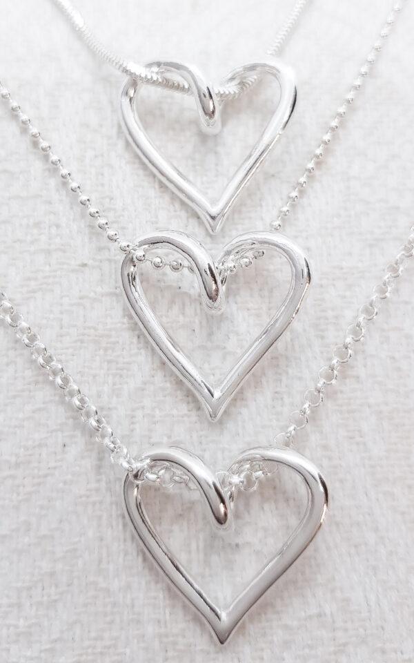 Kedjeval till lilla silverhjärtat - silversmycke i äkta silver - handgjorda silversmycken från Brokig silversmycken