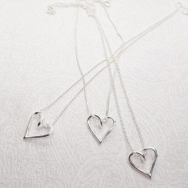 Länkval till lilla silverhjärtat - silversmycke i äkta silver - handgjorda silversmycken från Brokig silversmycken