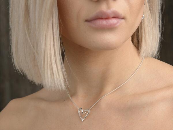 SILVERHJÄRTA-LILLA-19mm - silversmycke i äkta silver -halv hals - handgjorda silversmycken från Brokig silversmycken