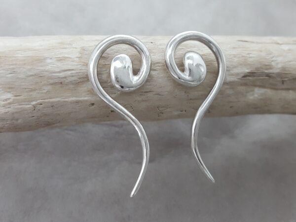 Snirklig - örknoppar - örhängen silver - från Brokig silversmycken