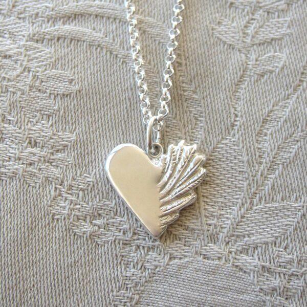 Vinghjärta - silversmycke i äkta silver - handgjorda silversmycken från Brokig silversmycken