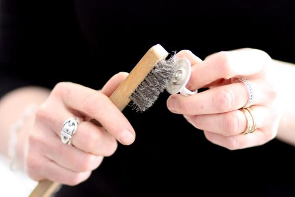 Ringen stålborstas - silversmycke i äkta silver - handgjorda silversmycken från Brokig silversmycken